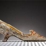Najdrożej sprzedany buty na świecie - za 20.000 euro - przekazane do Muzeum w Romans we Francji