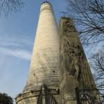 Ogromny pomnik - Cmentarz Pere Lachaise - Paryż - by Olivier Bruchez