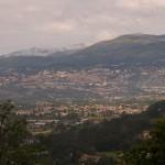 Panorama miasta Grasse na Lazurowym Wybrzeżu na południu Francji - by Jonathan Caves