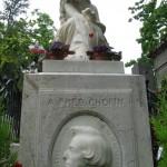 Pomnik Fryderyka Chopina na cmentarzu Pere Lachaise w Paryżu we Francja - by jphilipg