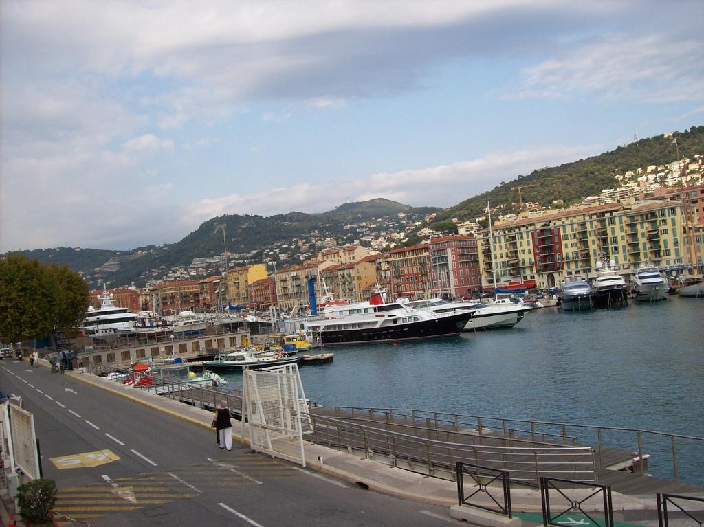 Port - przystań - w Nicei - by Pinkitt