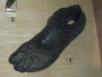 Sandały rzymskich żołnierzy z I wieku - zdjęcie b Owen Jarus