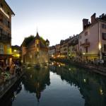 Urok Annecy wieczorem - by Emerging Birder
