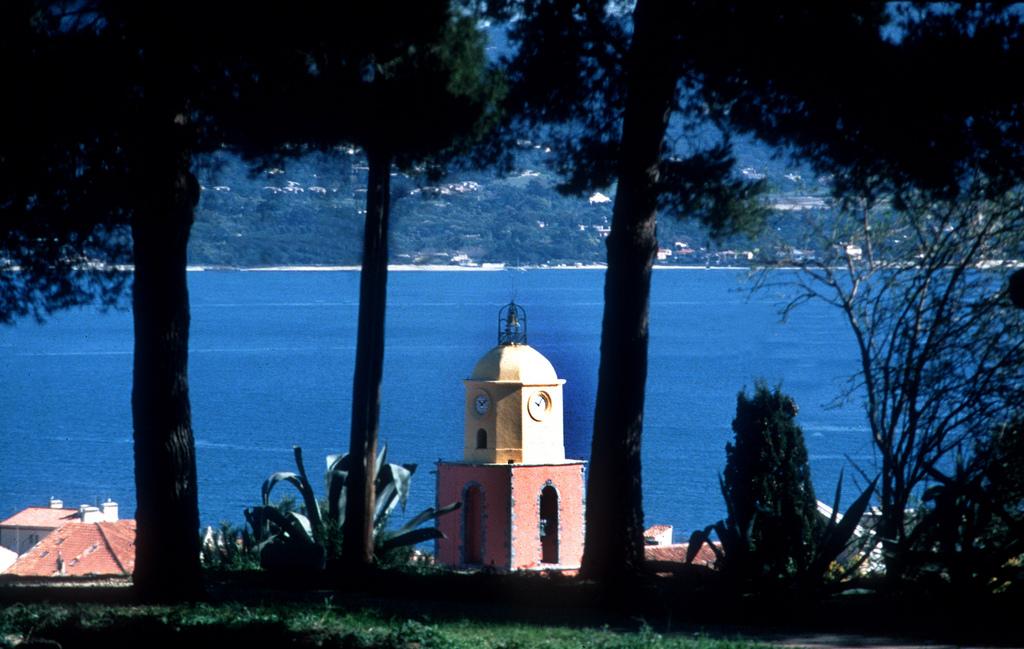 Widok na wybrzeże  w Saint Tropez - by Zoé de Saint-Tropez