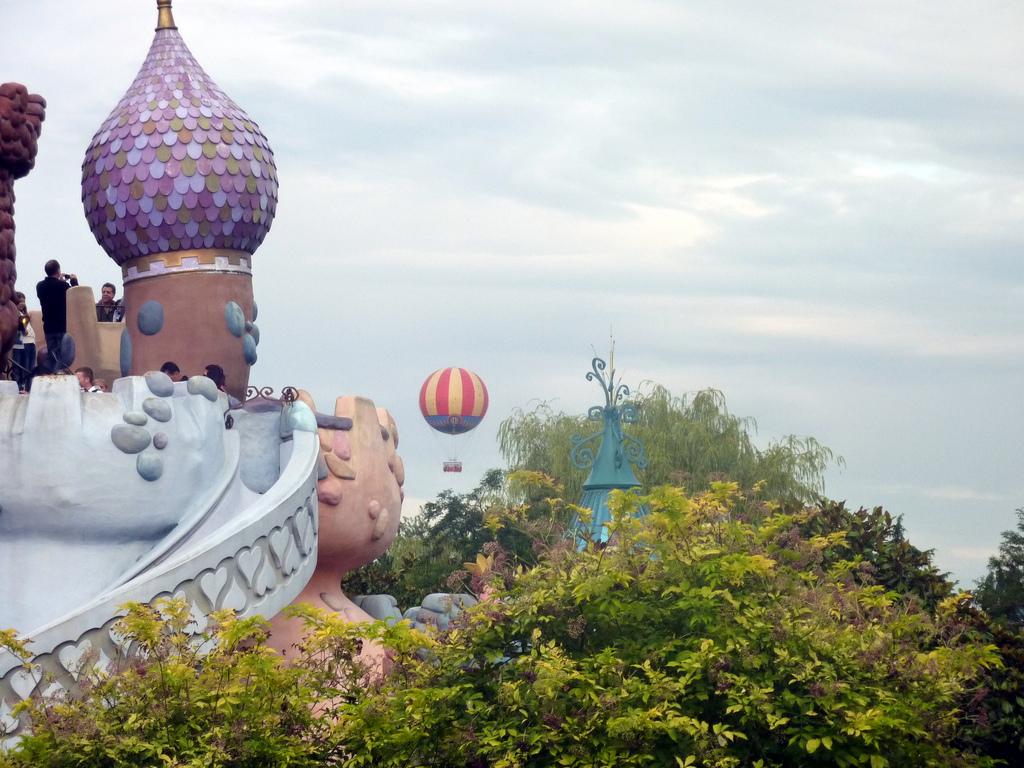 Widok z zamku w Disneylandzie - by b00nj
