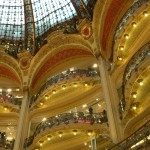 Galeries Lafayette w Paryżu - wnętrze - by Speaking of France