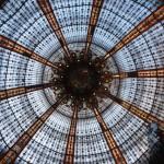 Oszkolonyy dach Galeries Lafayette w Paryżu by ThiagoMartins