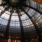 Sufit Galerii Lafayette w Paryżu by bottlerocketvaseline